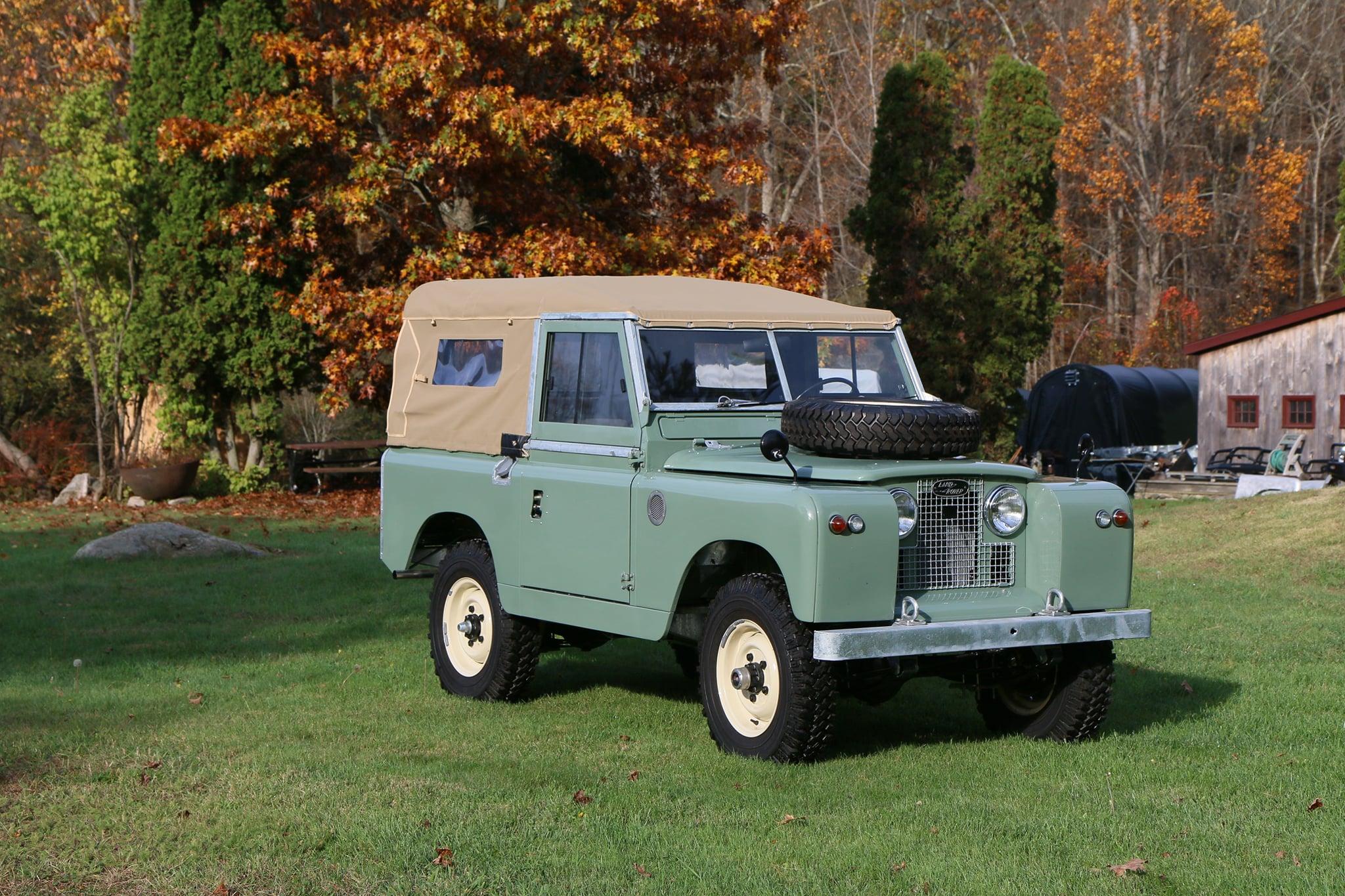 1965 Land Rover Series IIA Pastel Green Photo 1