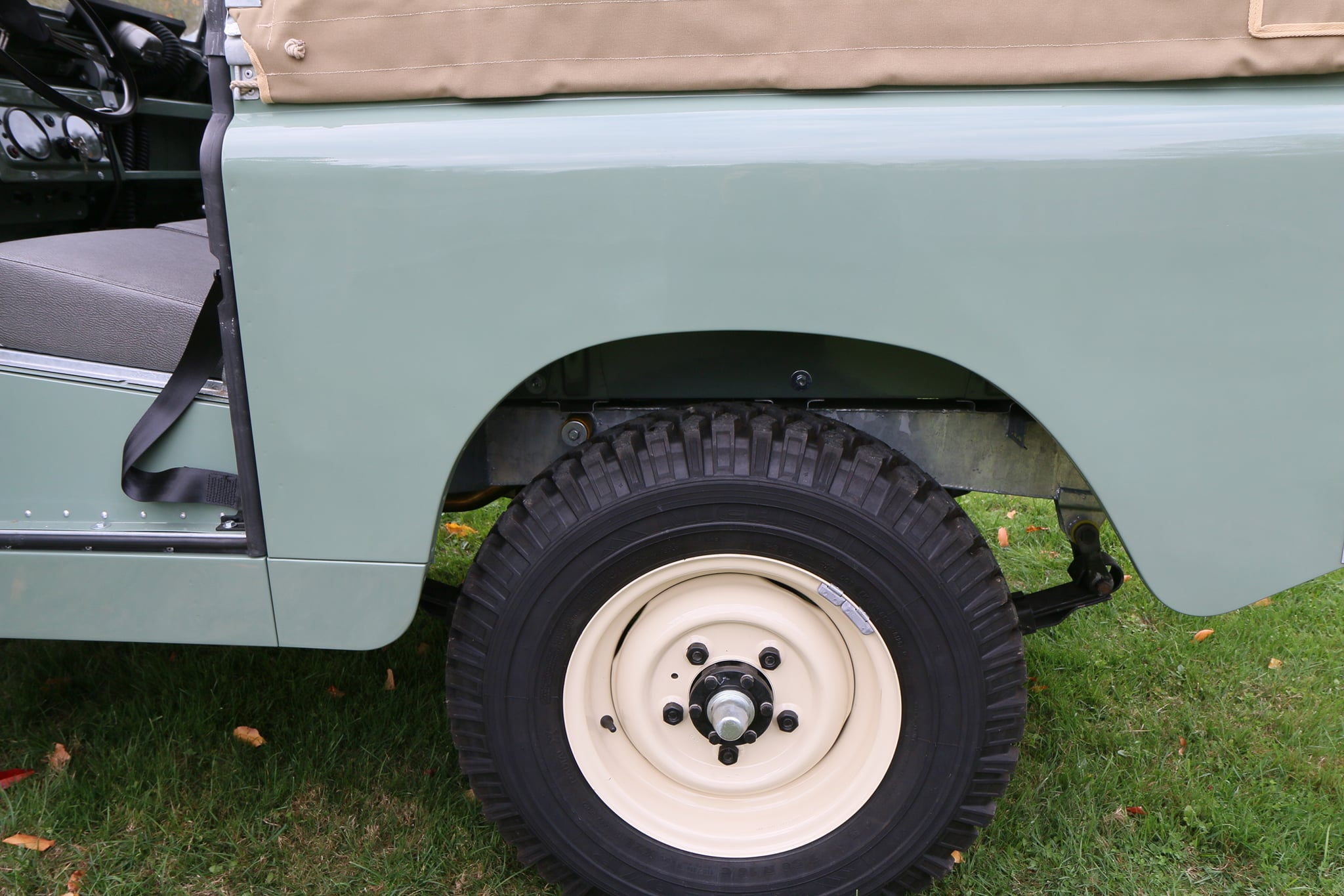 1965 Land Rover Series IIA Pastel Green Photo 20