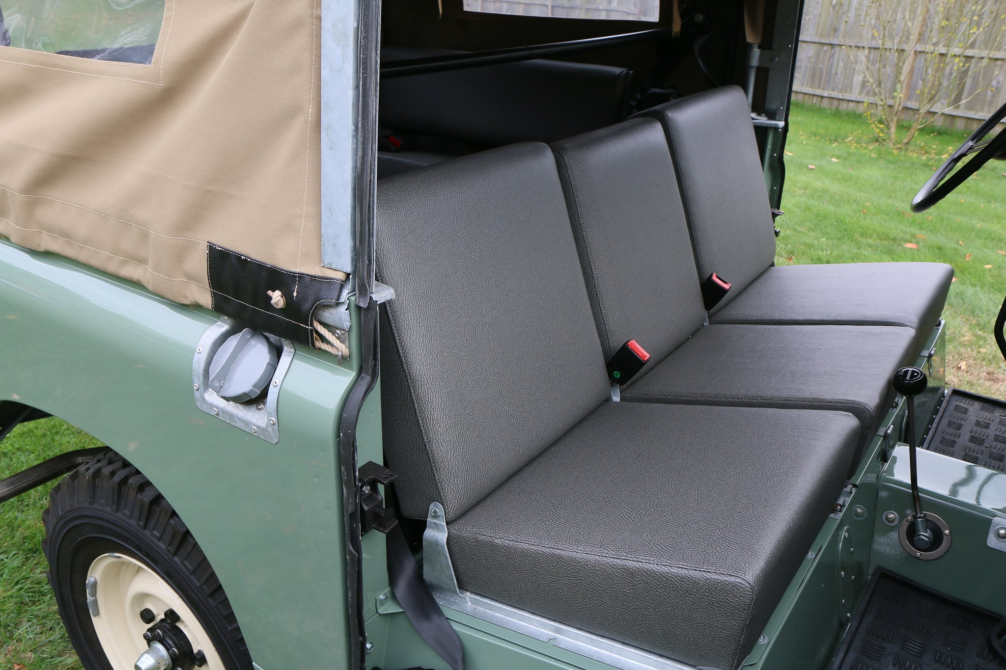 1965 Land Rover Series IIA Pastel Green Photo 23