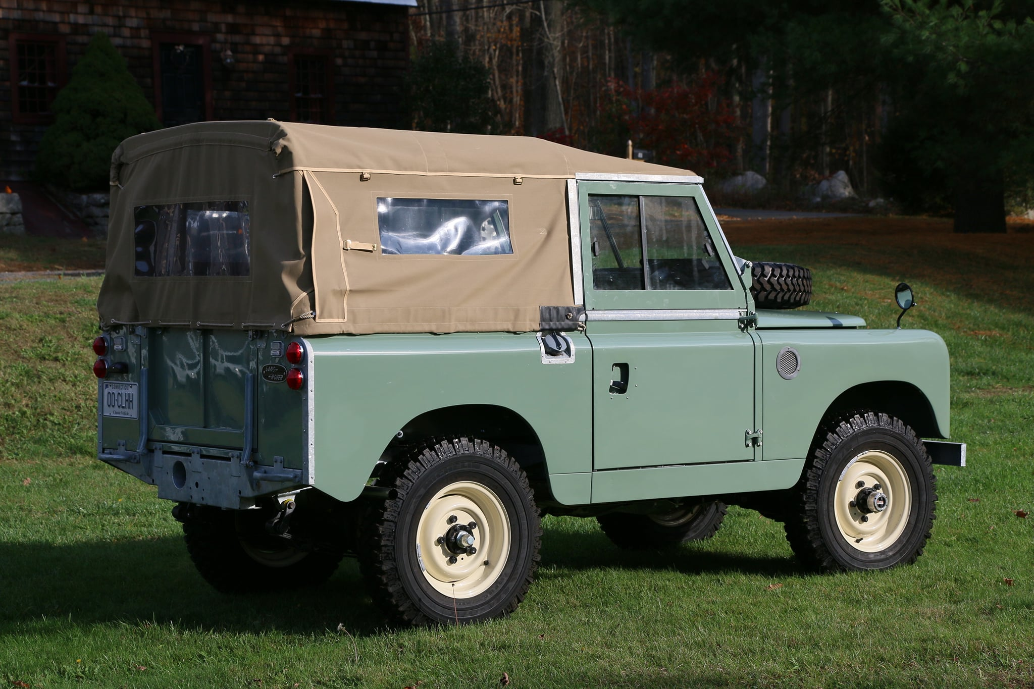 1965 Land Rover Series IIA Pastel Green Photo 3