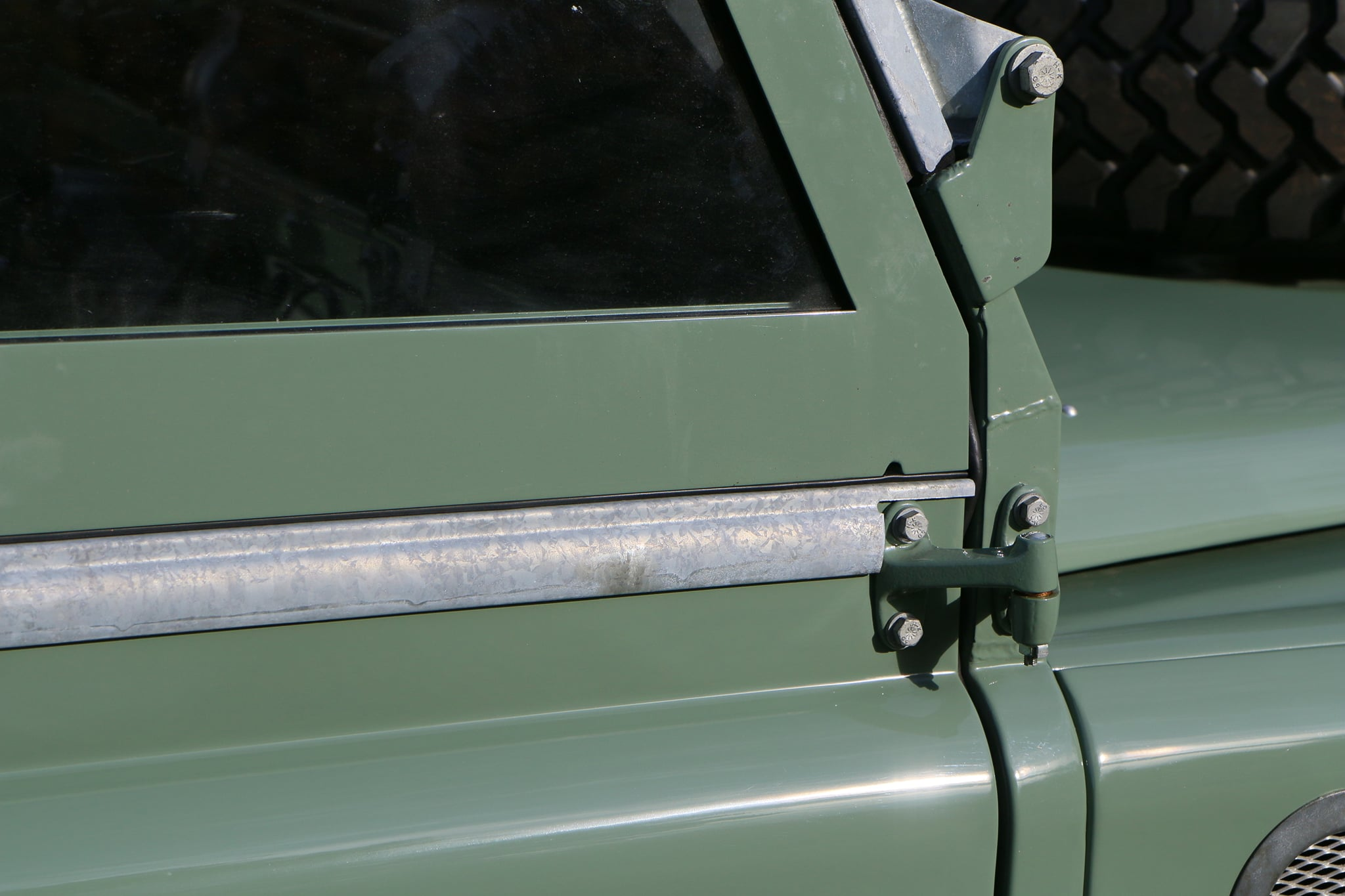 1965 Land Rover Series IIA Pastel Green Photo 5