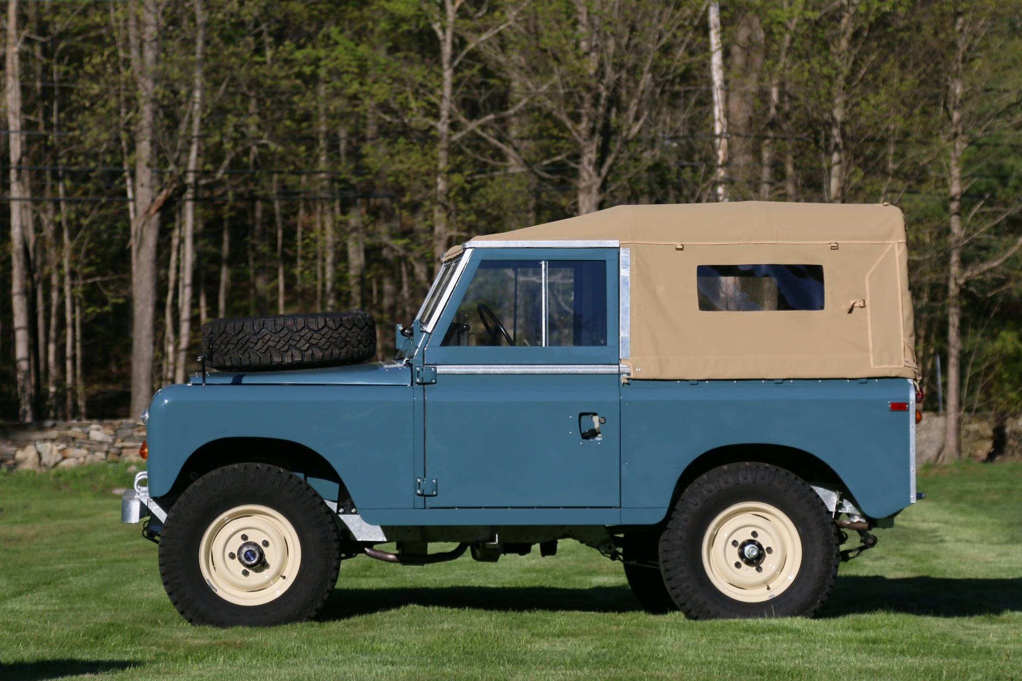 Left side of Land Rover Series III Marine Blue