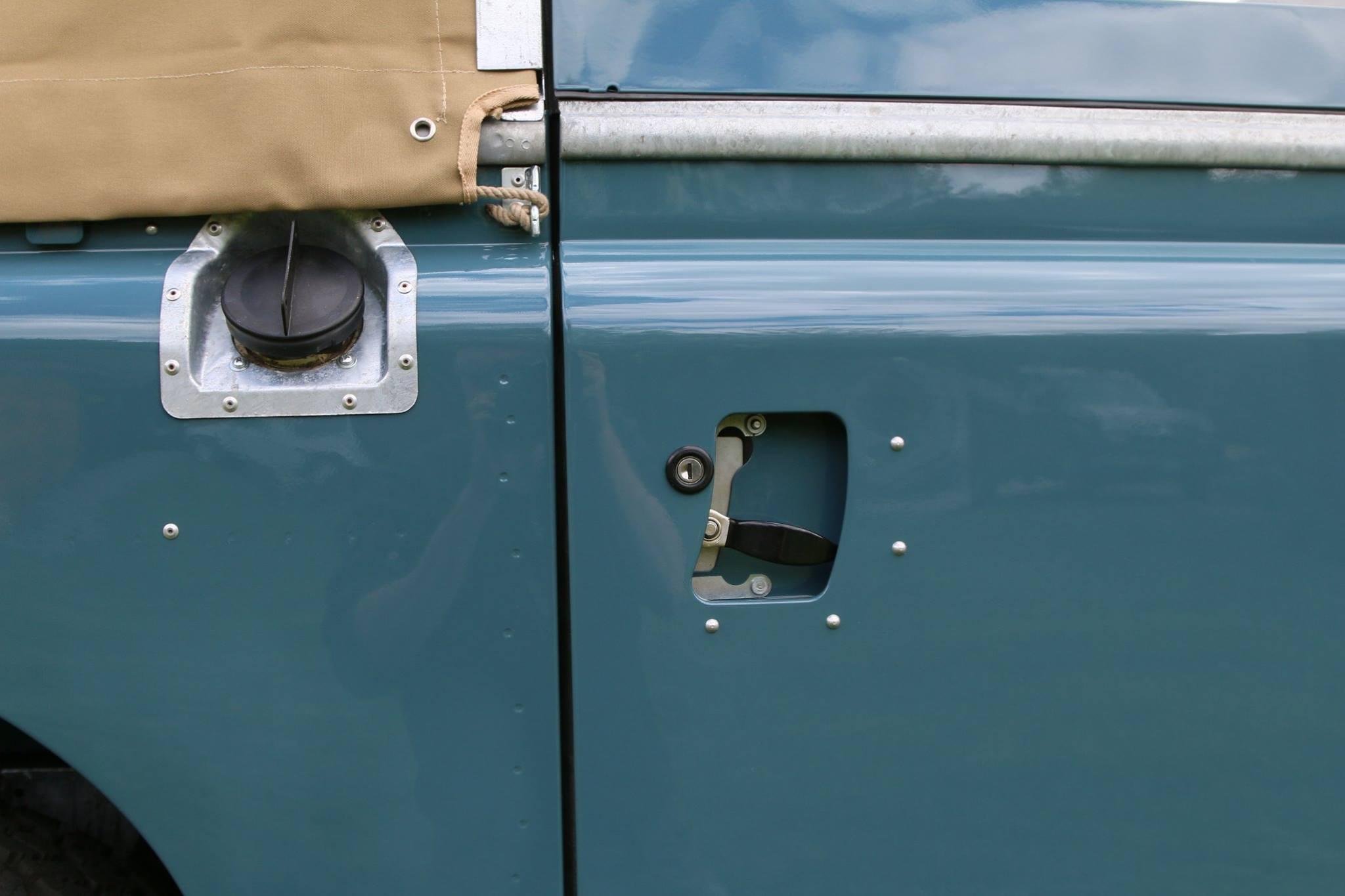 1973 Land Rover Series Iii Marine Blue
