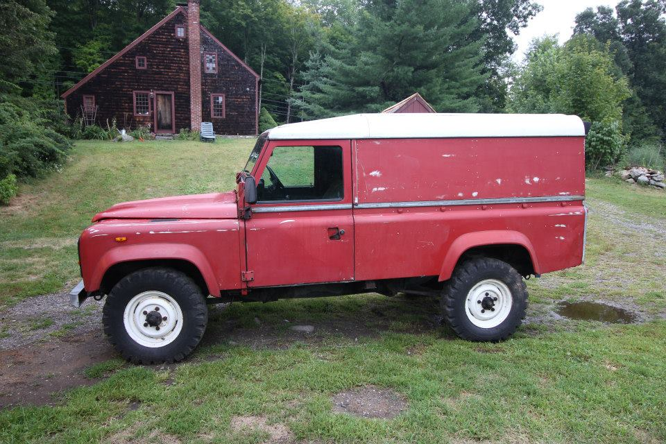1985 Land Rover in good condition.