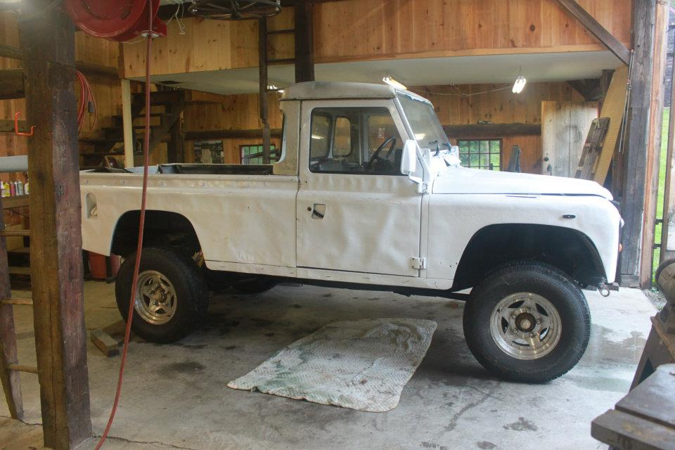The 1986 Land Rover as it arrived in the shop.