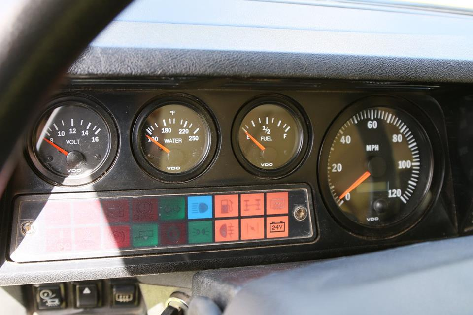 All new VDO gauges are installed in the dash.