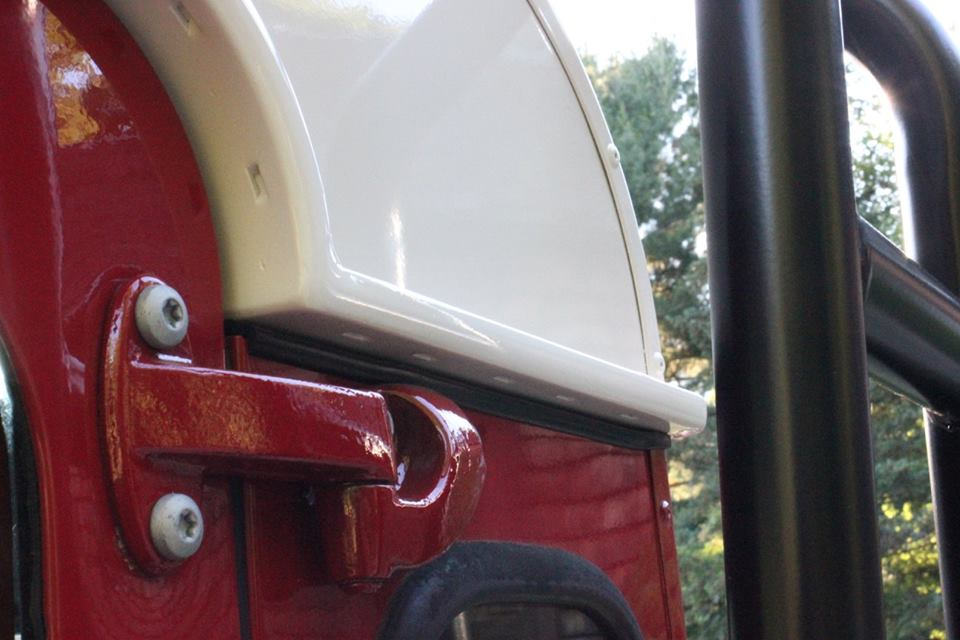 New genuine Land Rover rust-resistant door hinges and galvanized hardware.
