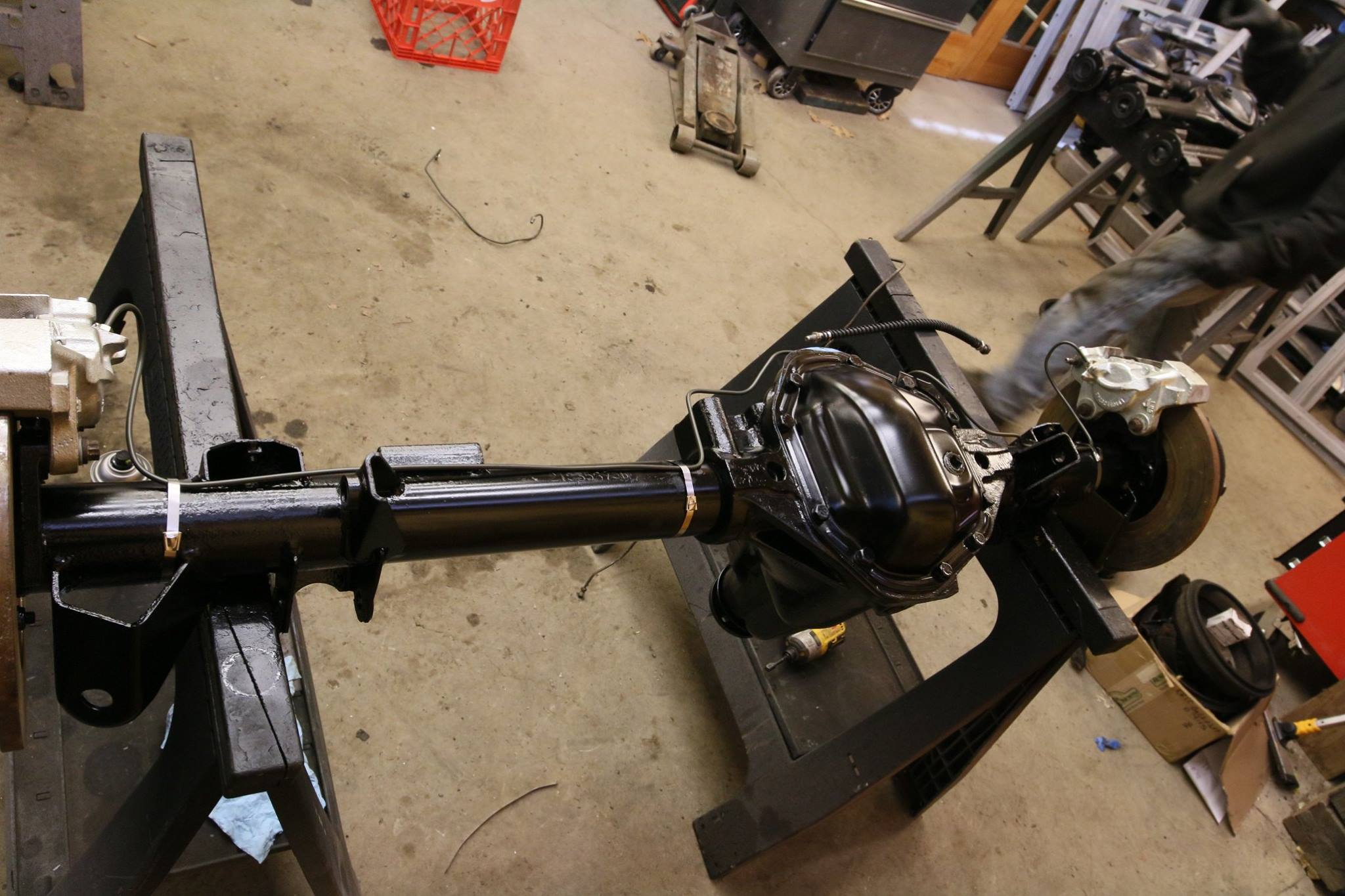 Salisbury Rear Axle : Land rover tithonus north america overland